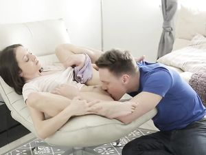 Massaging His Lady Erotically And Fucking Her Cunt