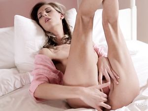 Skinny Is Super Hot On This Masturbating Solo Beauty