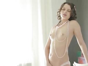 Elegant Euro Teen Uses Her Dildo To Please Her Puss